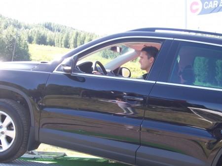Här är Jens på väg upp med en Volkswagen Tiguan