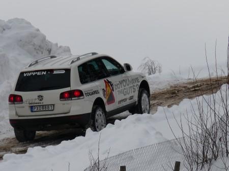 Lång backe på mer än 30 grader ger bra tillfälle till hur man hanterar fordonet i olika situationer